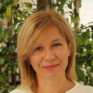 Таня Здравкова.